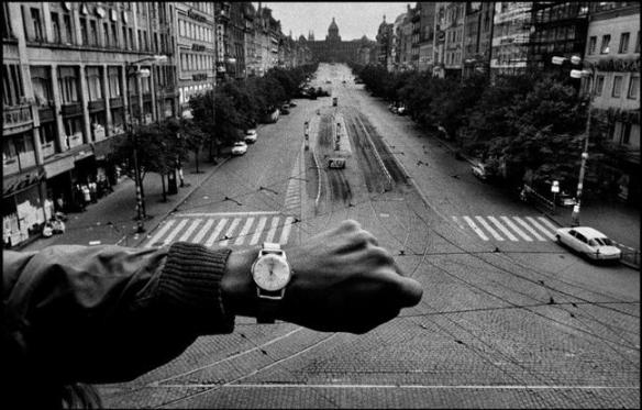 CZECHOSLOVAKIA. Prague. 1968. © Josef Koudelka / Magnum Photos